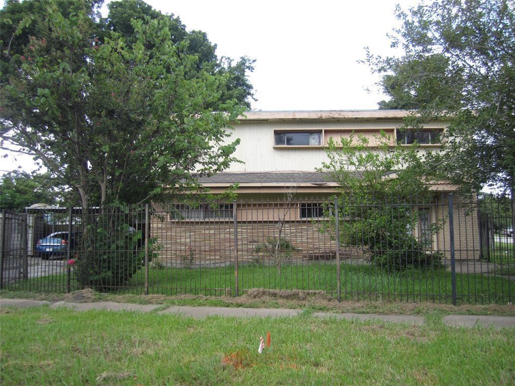 302 W Shaw Avenue, Pasadena, TX 77506