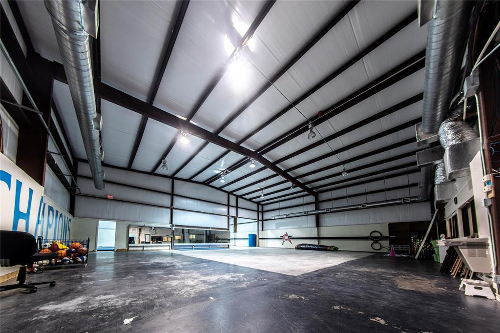105 N Echols, Caldwell, TX 77836
