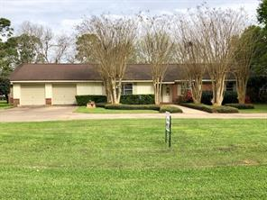 403 N Sailfish N, Jones Creek, TX 77541