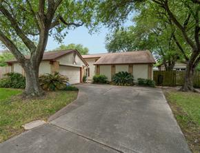 306 Cherry Court, La Porte, TX 77571