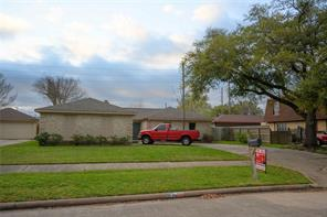 2206 Briarview Drive, Houston, TX 77077
