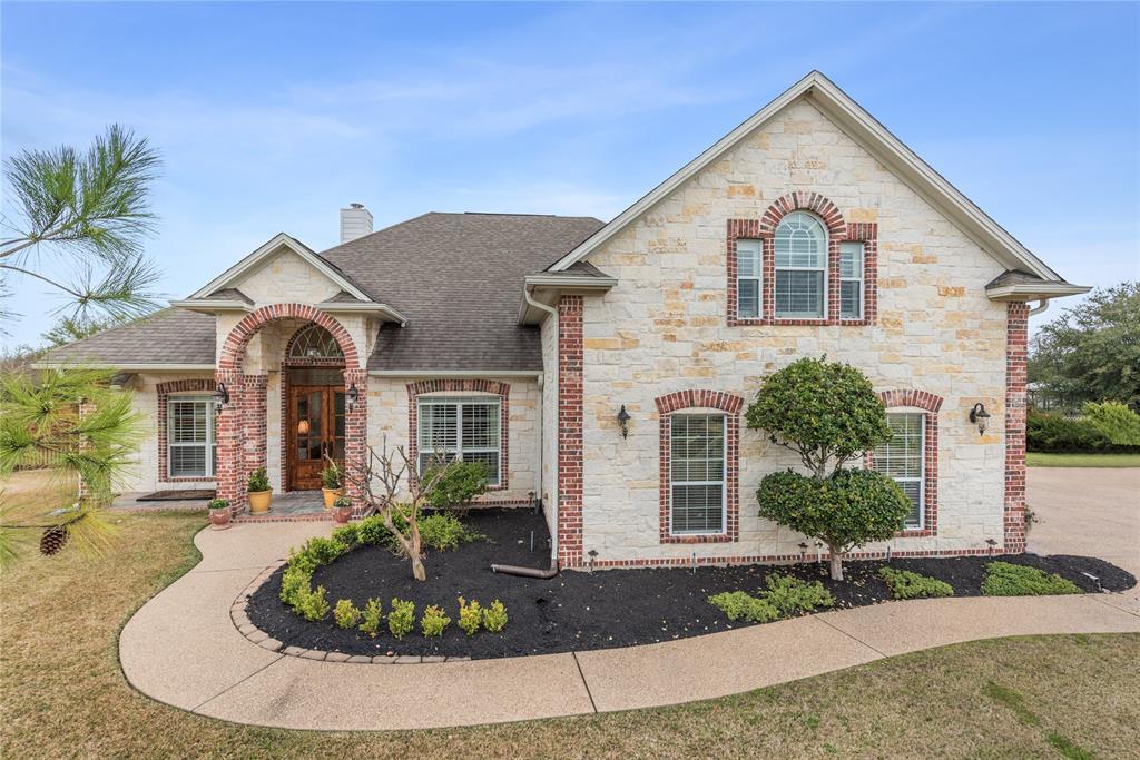 4037 Austins Estates Drive, Bryan, TX 77808