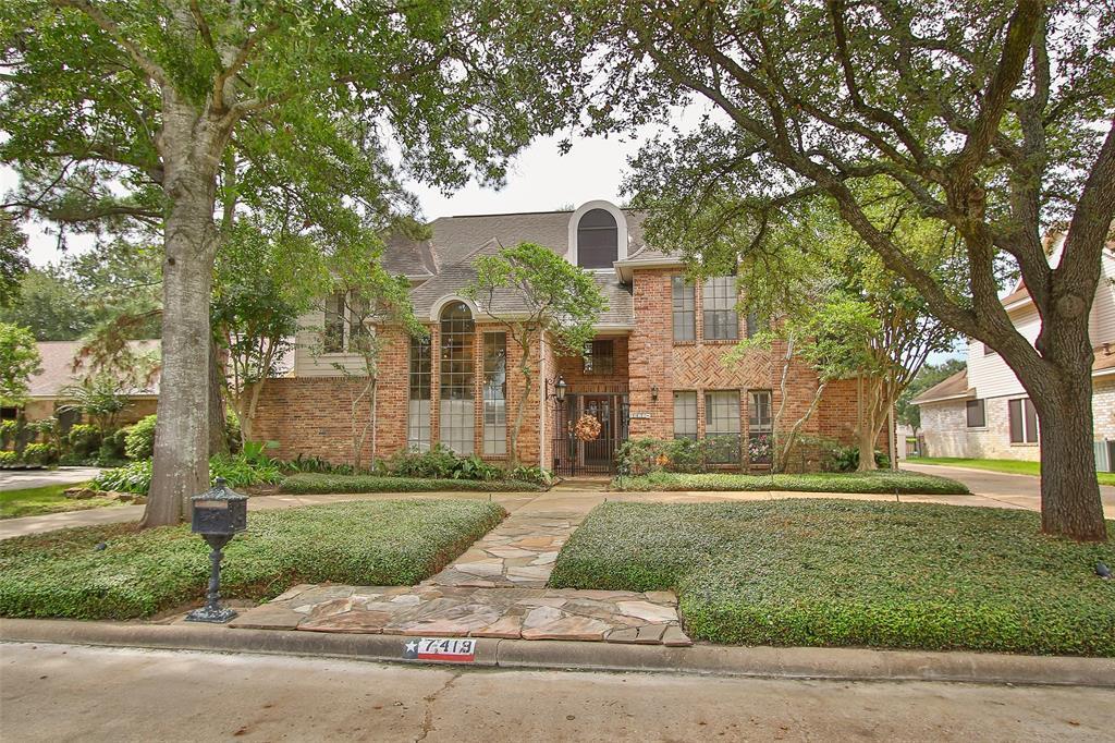 7419 W Suddley Castle Street, Houston, TX 77095