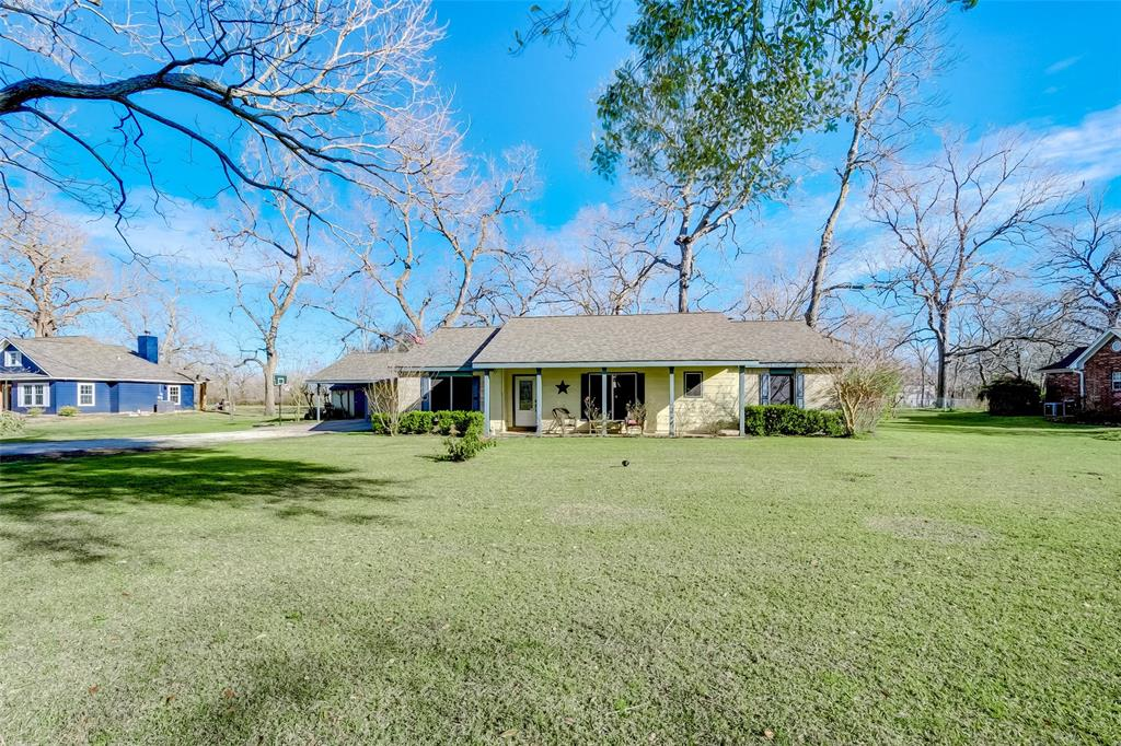 1603 Half Moon Drive, Wharton, TX 77488