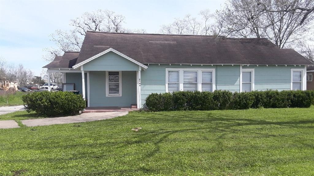 3706 N Main Street, Victoria, TX 77901