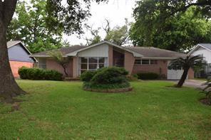 5927 De Moss, Houston TX 77081