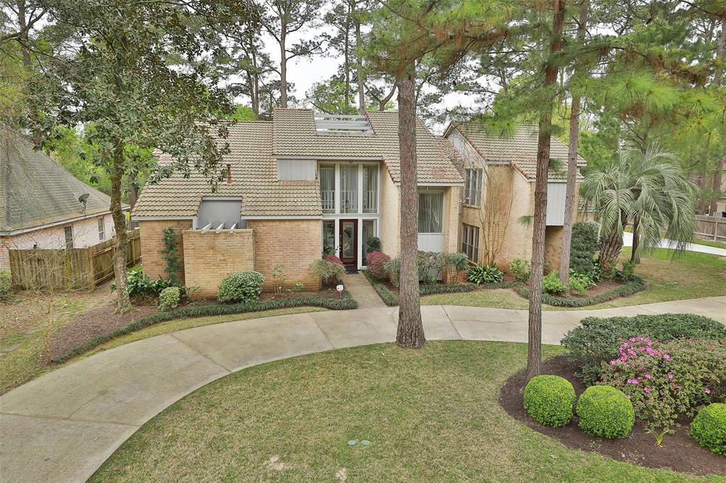 15207 Rainhollow Drive, Houston, TX 77070