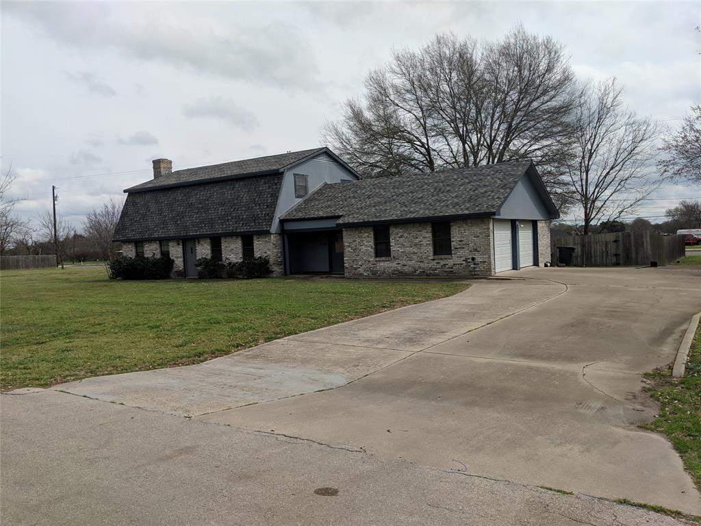 118 Frost Creek Avenue, Groesbeck, TX 76642