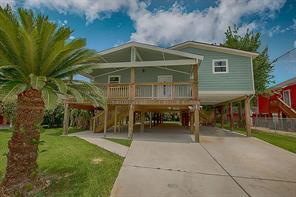 615 Pine Road, Clear Lake Shores, TX 77565