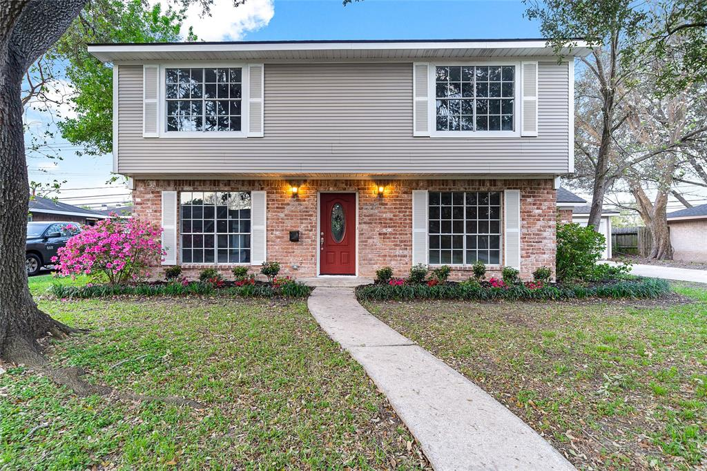 8315 Twin Hills Drive, Houston, TX 77071