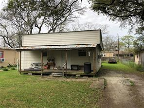 612 west street, clute, TX 77531