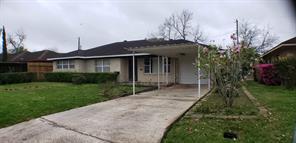 269 W Spreading Oak Dr, Houston TX 77076