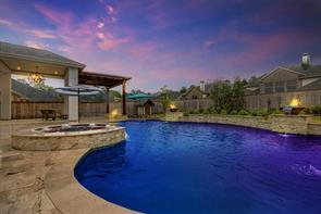 59 Oak Estates Drive, Conroe, TX 77384
