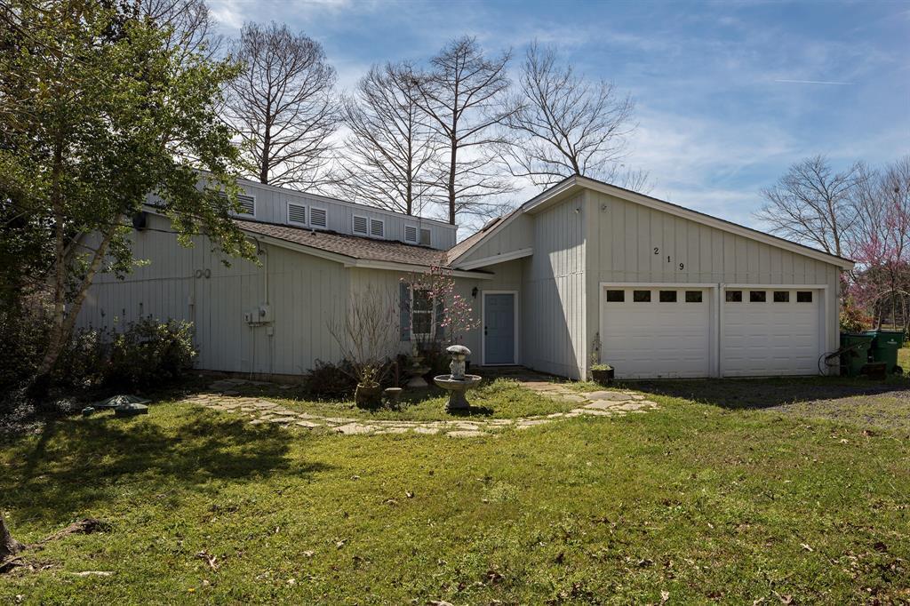 219 Hazel, Village Mills, TX 77663