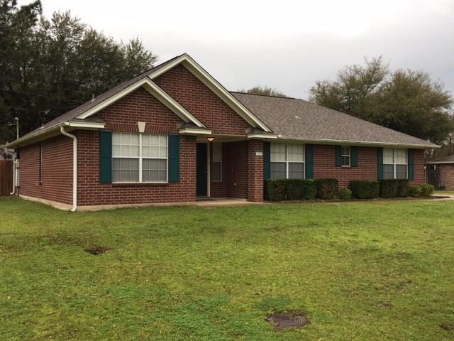 100 Wildflower Lane Lane, Teague, TX 75860