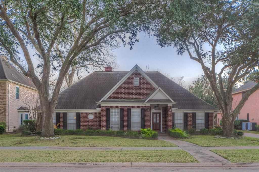 4515 Castlewood Street, Sugar Land, TX 77479