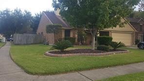 13846 Hallfield Drive, Houston, TX 77014