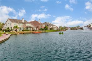 10026 Lakeside Gables, Houston TX 77065