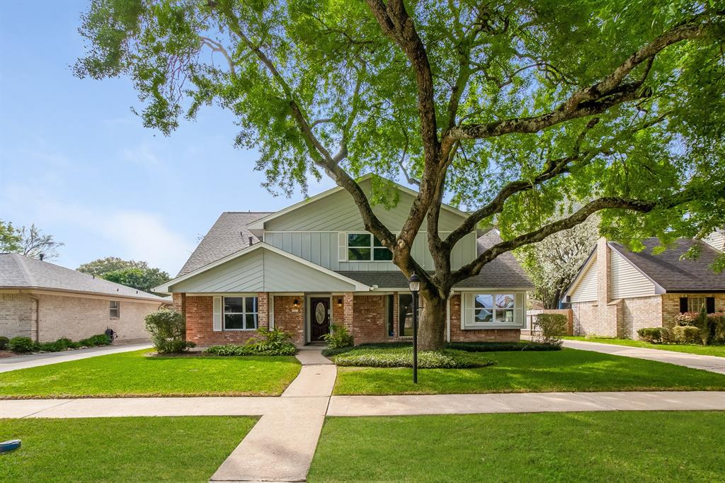 9223 Petersham Drive, Houston, TX 77031