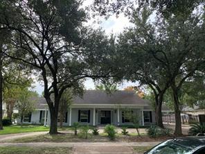5223 s braeswood boulevard, houston, TX 77096