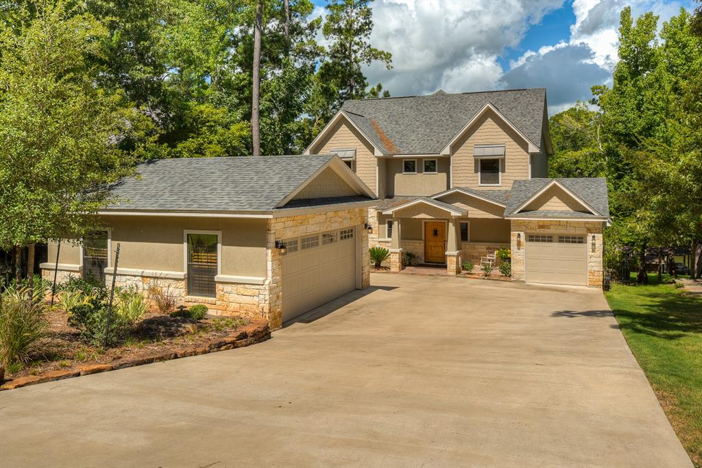 290 Lake Grove Drive, Coldspring, TX 77331