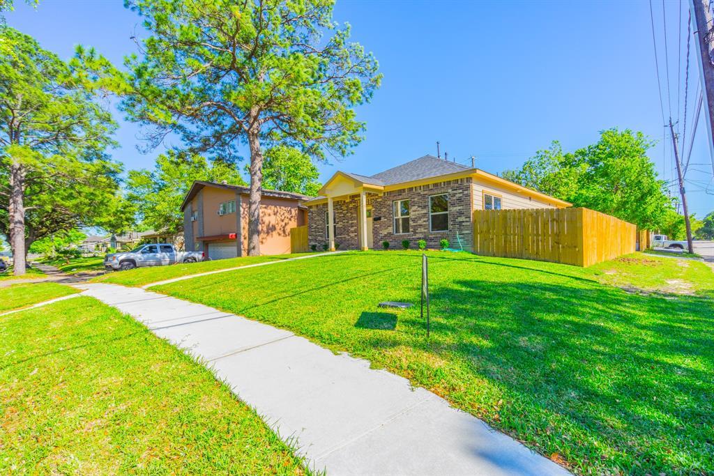227 Garfield Lane, Pasadena, TX 77506