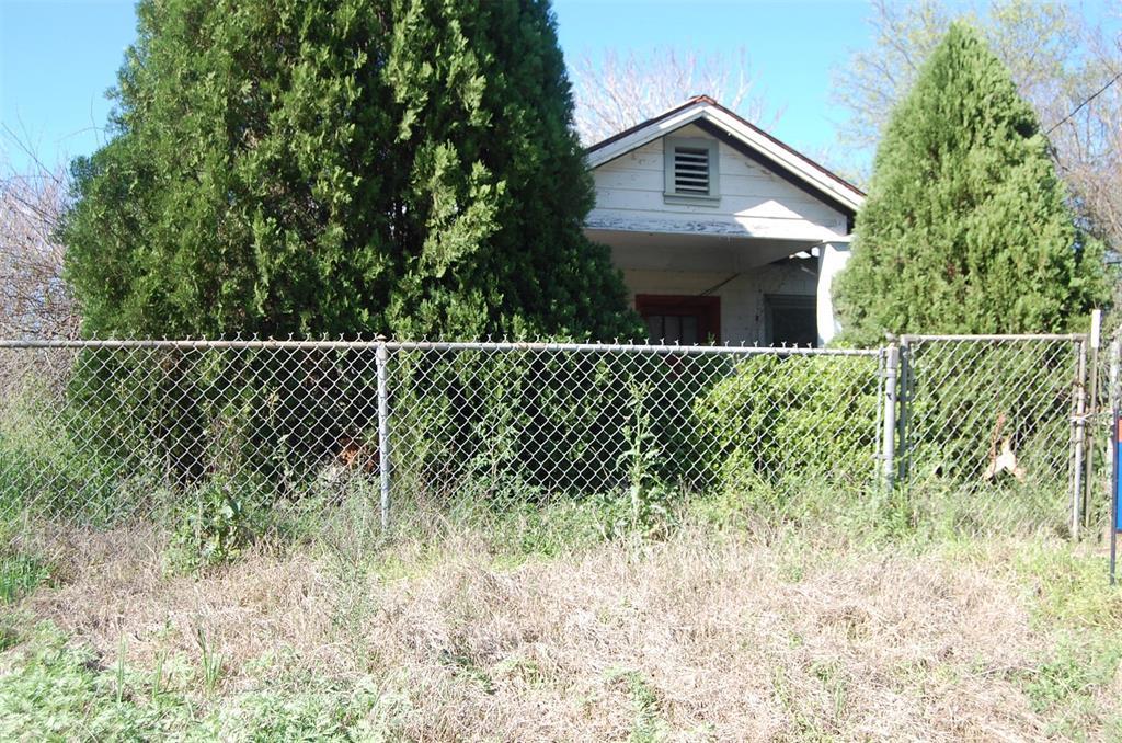 503 W Rheiner Street, Sabinal, TX 78881