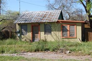 405 w may street, sabinal, TX 78881