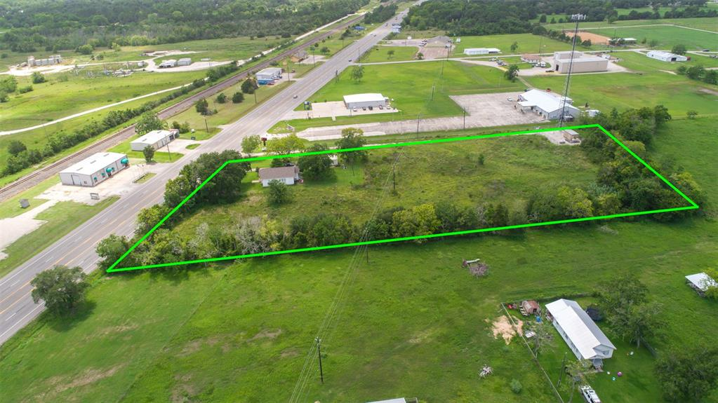 11038 Highway 6, Hitchcock, TX 77510