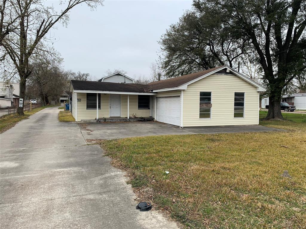 14319 Henry Road, Houston, TX 77060