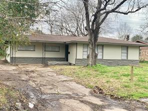 7631 belgard street, houston, TX 77033