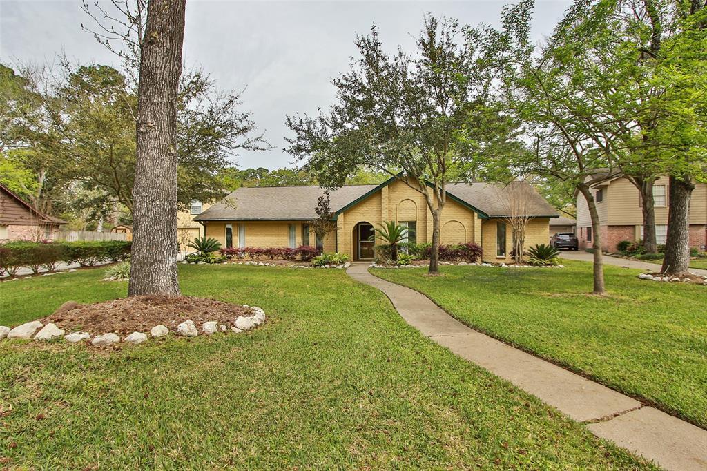 1123 Woodfield Lane, Houston, TX 77073
