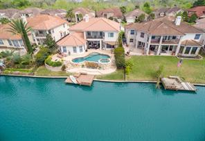 18422 Windsor Lakes
