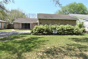 207 Greenshire Drive, League City, TX 77573