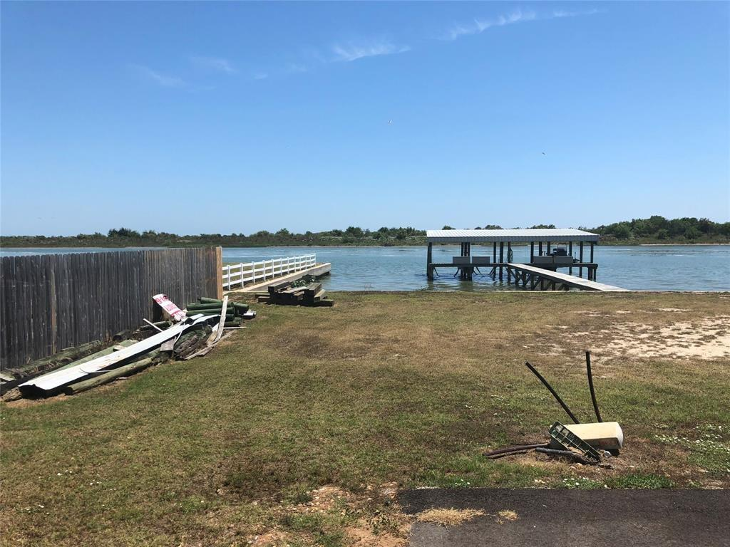 1101 W Water Street, Port O Connor, TX 77982