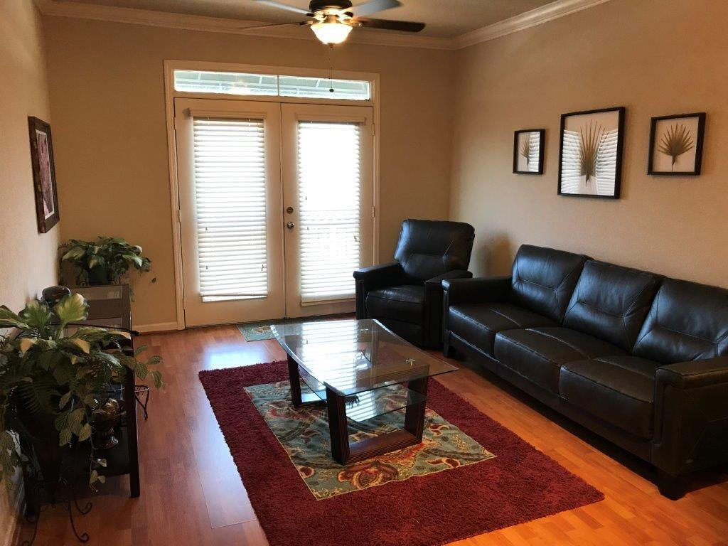 Fully furnished corporate rental 1 bedroom 1 bath condo near the Texas Medical Center. Conveniently located near the light rail for easy access to the Texas Medical Center & Downtown. Wood floors, granite counters, stainless appliances and W/D included. Minutes from West U shopping and dining. Resort style swimming pool, onsite fitness center and game room.