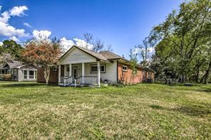 103 W Barrow Street, Dayton, TX 77535