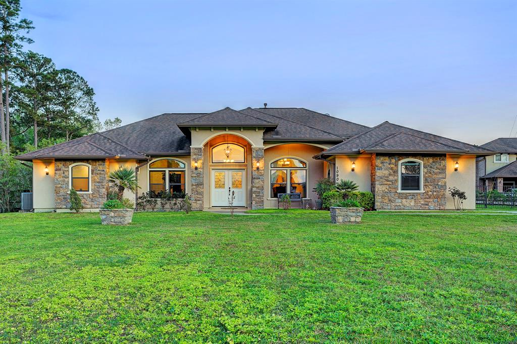 1090 Bess Road, Dickinson, TX 77539