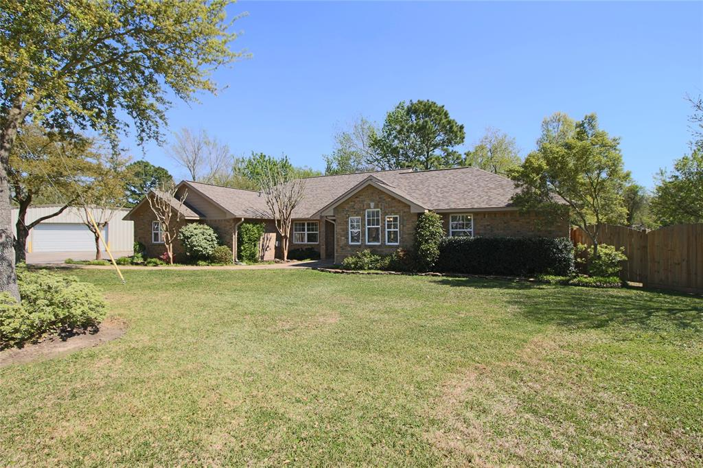 498 Elena Lane, Highlands, TX 77562