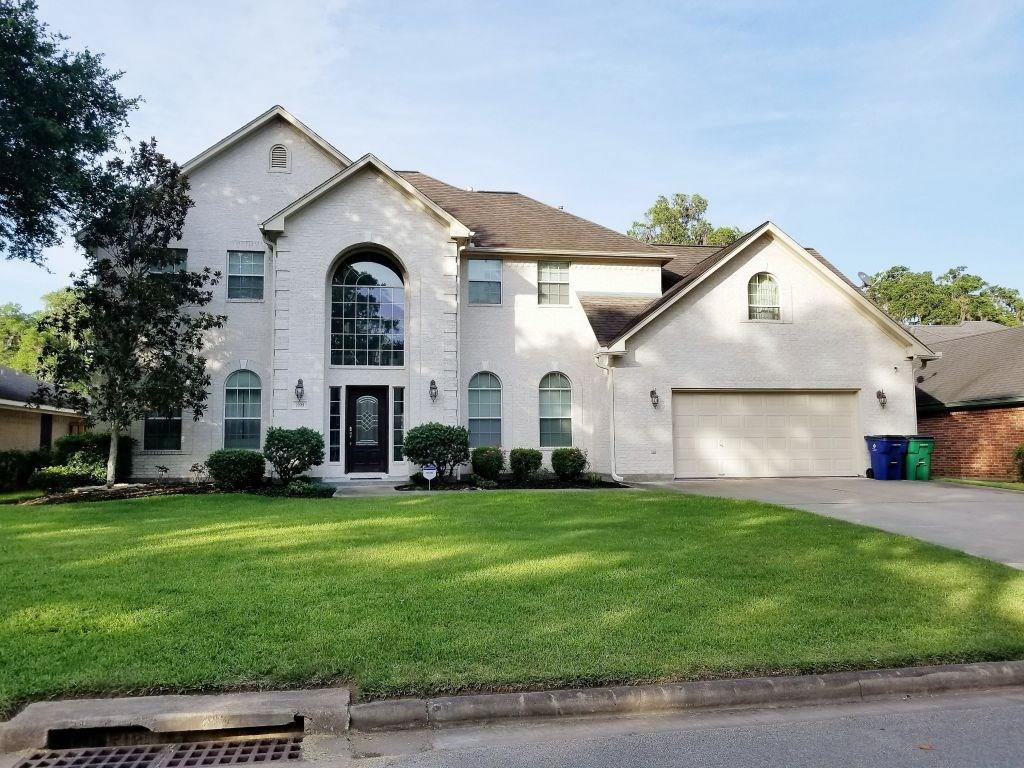 2225 Lake Forrest Drive, West Columbia, TX 77486