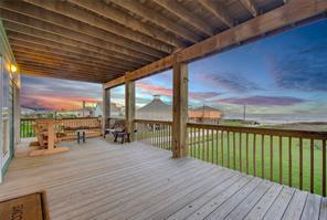 847 Townsend Drive, Crystal Beach, TX 77650