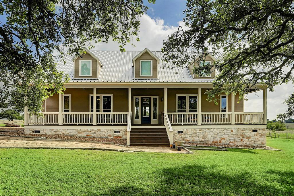 8026 W State Hwy 159, Fayetteville, TX 78940