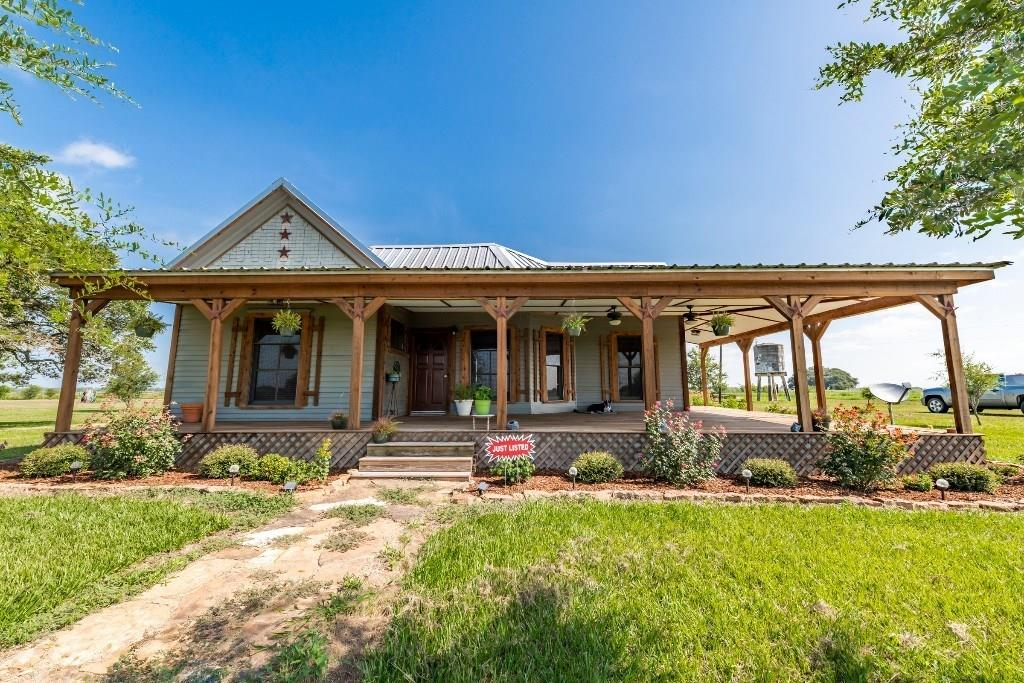 1195 County Road, Rock Island, TX 77470