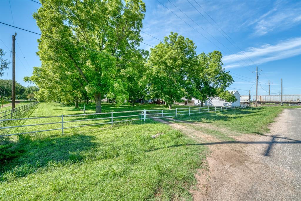 17099 W HWY 79, Hearne, TX 77859