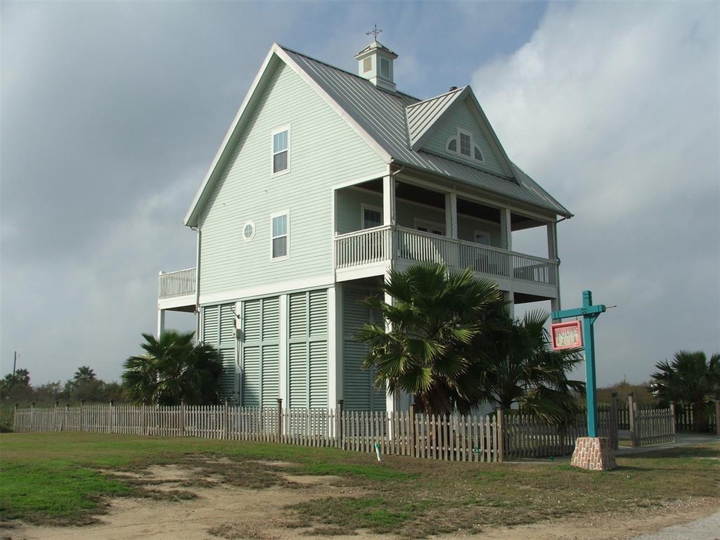 1019 Brighton Jones Boulevard, Gilchrist, TX 77617