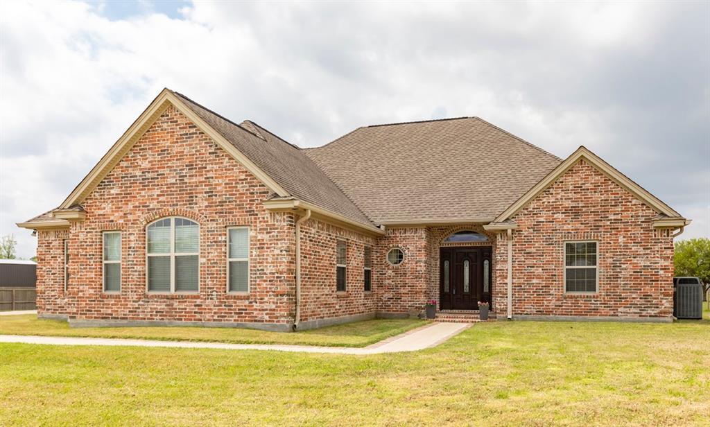 8855 Taylor Circle, Orange, TX 77630