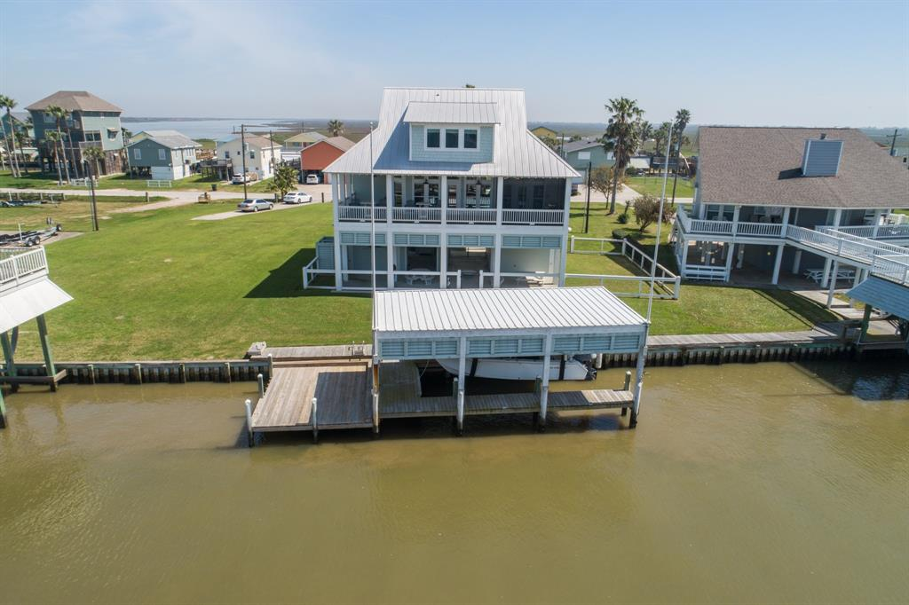 1313 Boyt Road, Port Bolivar, TX 77650