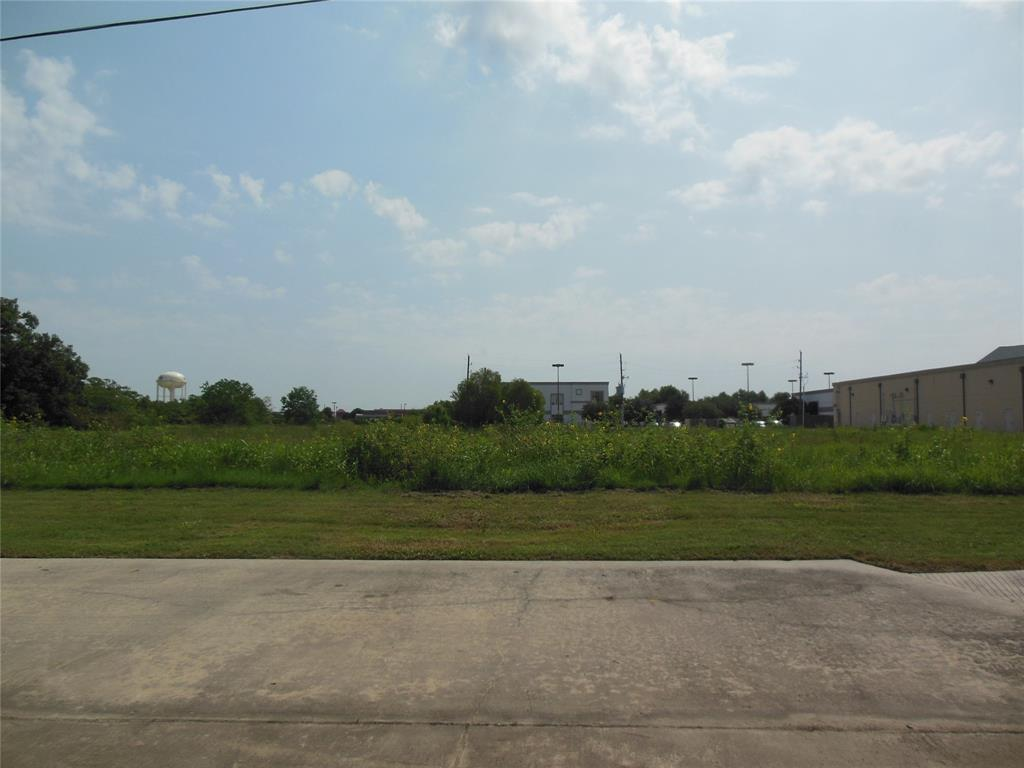 8705 Broadway, Pearland, TX 77584