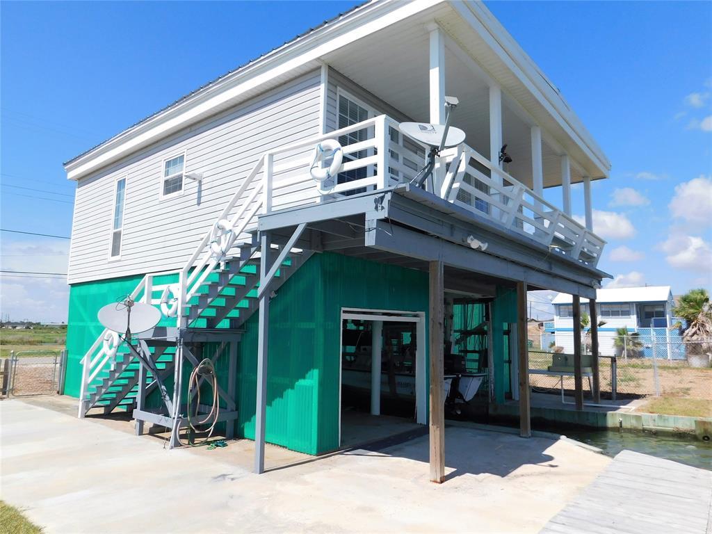209 E Bayshore Drive, Palacios, TX 77465