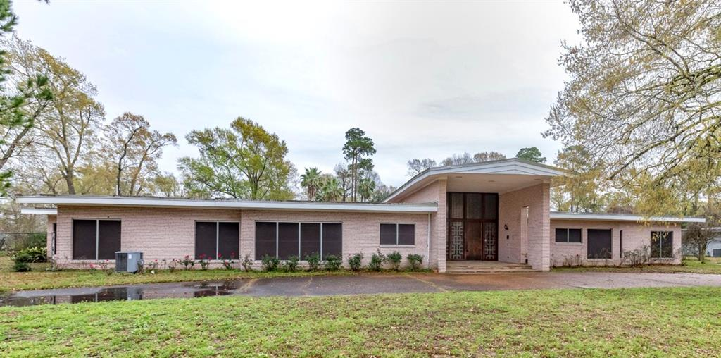 2190 Thomas Road, Beaumont, TX 77706
